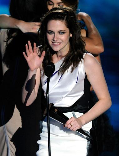 Kristen @ the Scream Awards 2010