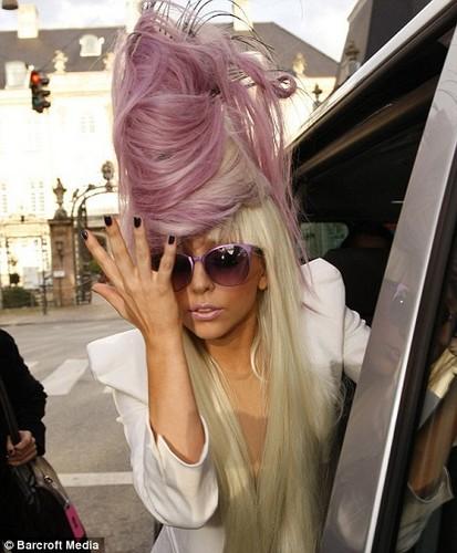 LADY GAGA HAIR!