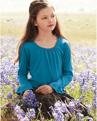 Renesmee Carlie Cullen wallpaper titled Mackenzie Foy - Photoshoot