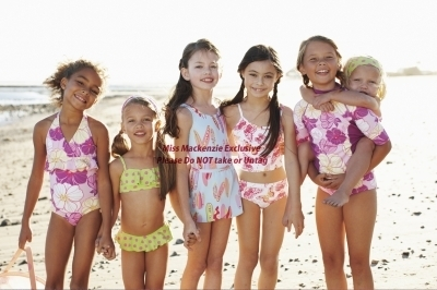 Twilight la saga wallpaper probably containing a bikini, a maillot, and a beachwear, costumi da bagno entitled Mackenzie Foy - Photoshoot