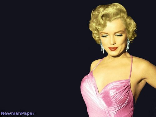 Marilyn Monroe  wallpaper possibly containing a bustier and a sheath in The Marilyn Monroe Club