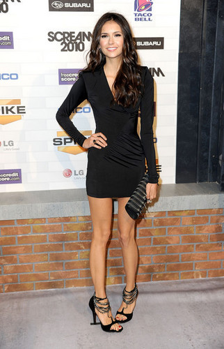 Nina Dobrev / 2010 Scream Awards