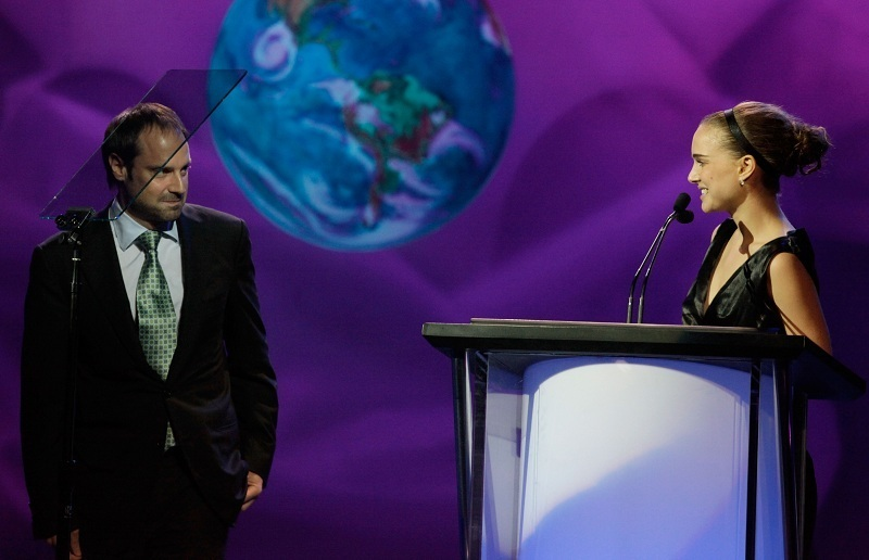 Onstage at the 20th Annual Environmental Media Awards at Warner Bros. Studios in Burbank