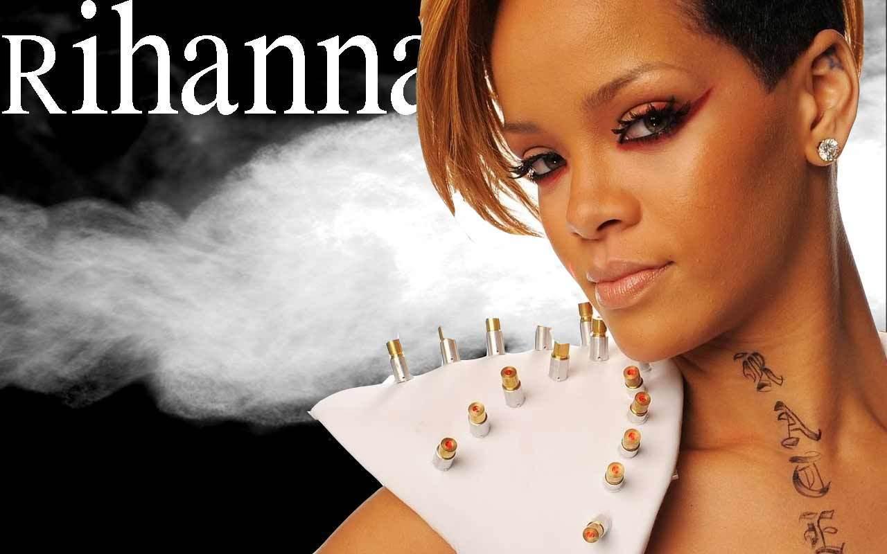 http://images4.fanpop.com/image/photos/16300000/Rihanna-rihanna-16340555-1280-800.jpg