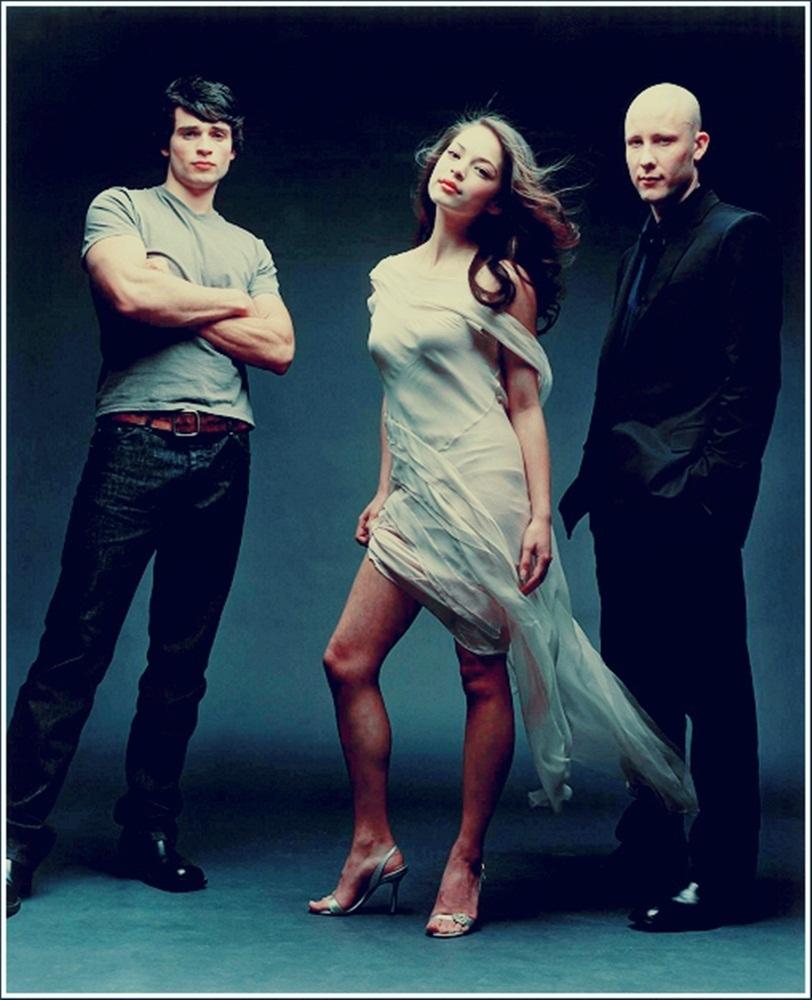 Smallville Season 4 Cast: Halla Got: Demi Lovato Remember December