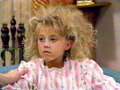 Stephanie's hair sticking up - stephanie-tanner photo