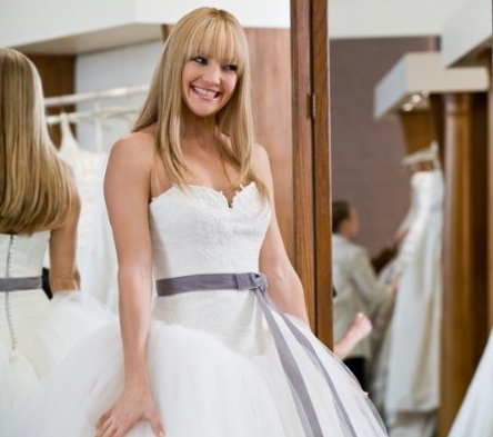 Bride Wars wallpaper possibly containing a gown, a bridal gown, and a dinner dress entitled Stills