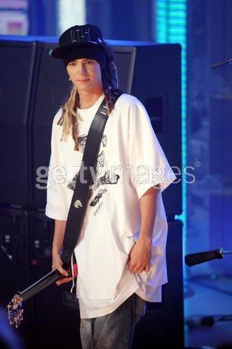 Tom Kaulitz fond d'écran titled Tom♥:')