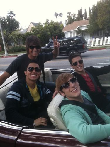 big time rush in fancy car