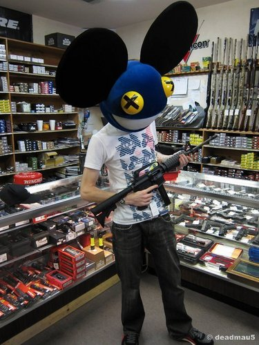 deadmau5 with a gun