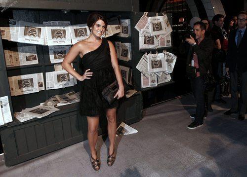 もっと見る Nikki @ Scream Awards HQ