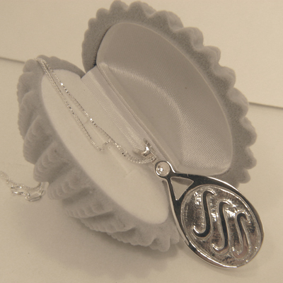 new shell velvet box with h2o lockets 3 waves