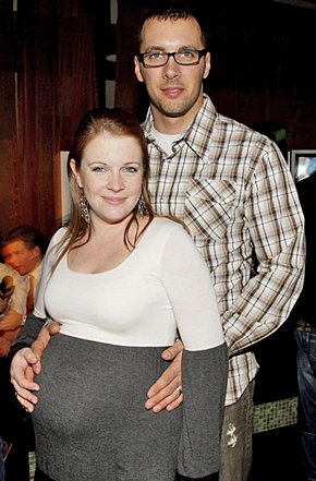 Melissa Joan Hart fond d'écran probably containing a rue called pregnant