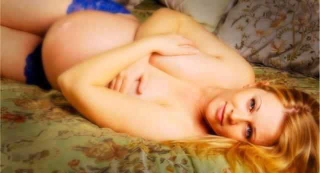 Mellisa Joan Hart Nude 4