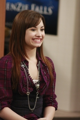 Sonny Munroe wallpaper containing a portrait called sonny