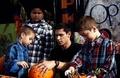 Alex Meraz organizes Halloween for children (10/23/1910) - twilight-series photo