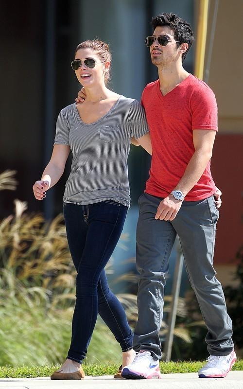 Ashley Greene and Joe Jonas in Baton Rouge
