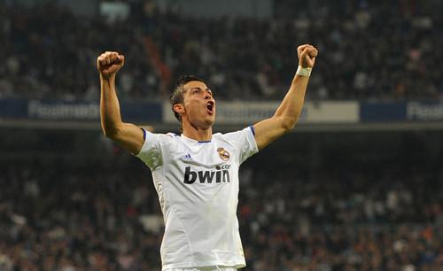 C. Ronaldo (Real Madrid - Racing Santander)
