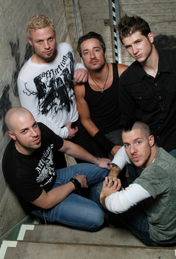 Daughtry<3