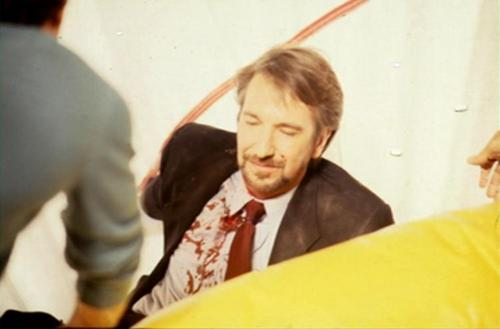 Alan Rickman karatasi la kupamba ukuta entitled Die Hard - Behind the Scenes