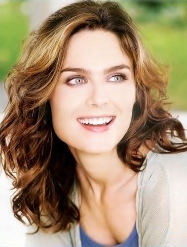 Emily Deschanel.