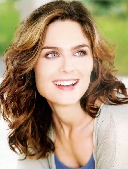 Emily Deschanel. - Bones Fan Art (16441305) - Fanpop