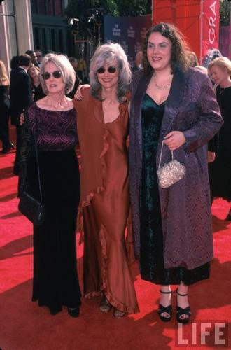 EmmyLou Harris and Her Mom and Daughter at the Grammy Awards in 1999