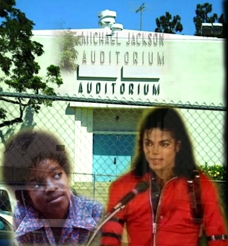 HELP US UNCOVER MICHAEL JACKSON'S NAME ON THE GARDNER strada, via SCHOOL AUDITORIUM SIGN