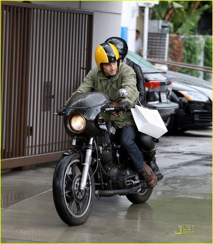 Halle Berry & Olivier Martinez: Motorcycle Mates