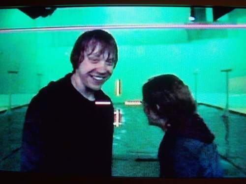 Hermione Ron BTS KIss in Deathly Hallows - harry-potter photo