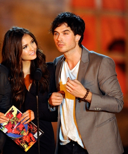 Ian/Nina @ Scream Awards 2010 (HQ)
