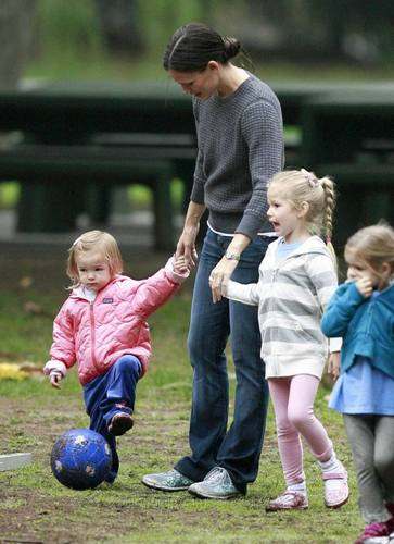 Jen out and about with the girls 10/16/10