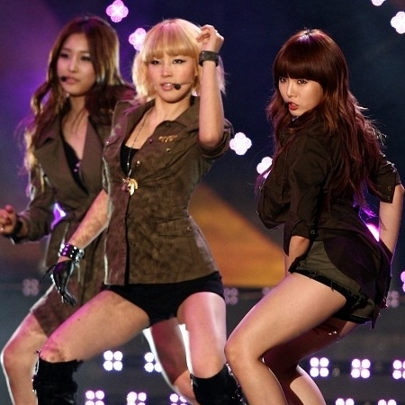 Jihyun, Jiyoon & hyuna at Aisa song fevistal