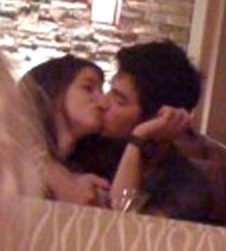 Joe Jonas And Ashley Greene Makeout