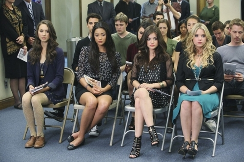 Weibliche TV-Figuren Hintergrund entitled Pretty Little Liars - Girls