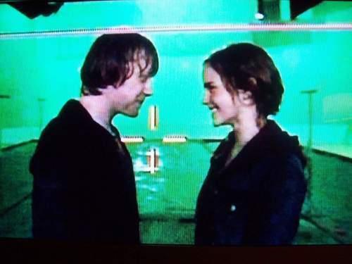 rupert grint and emma watson kissing scene. emma watson kissing scene