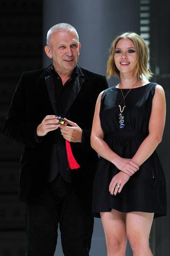 Scarlett @ 'El Botón' マンゴー Fashion Awards