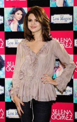 Selena Gomez, October 18, 2010