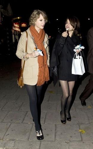 Selena and Taylor,Candids,October 2010