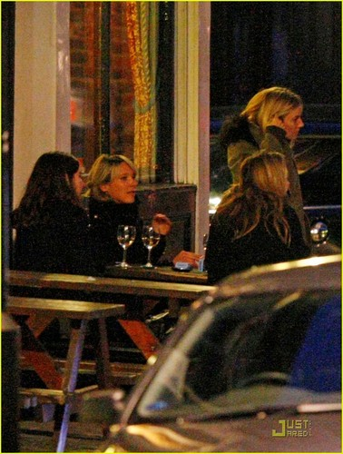 Sienna Miller: Cock and Bottle Pub with Pals