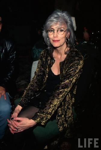 Singer Emmylou Harris in 1997
