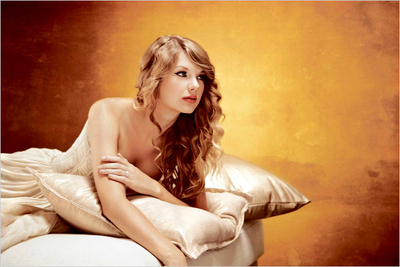Taylor Swift wallpaper probably containing bare legs, a well dressed person, and a chemise called Taylor Swift - Speak Now Photoshoot