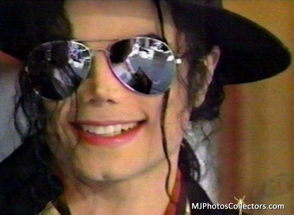 Trying to find the perfect guy for you, is this one right here... - michael-jackson photo