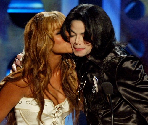 Kiss me: MJ and Beyoncé