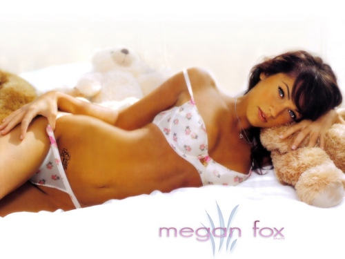 megan rubah, fox wallpaper with skin and a bikini titled megan