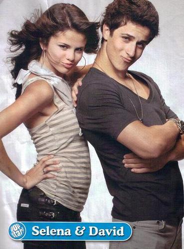 david henrie and selena gomez relationship