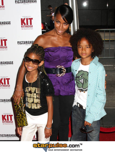 willow smith, and mom and brother