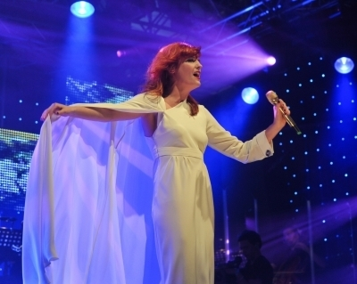 """Florence + The Machine Hintergrund titled """"Florence + The Machine"""" Live At Radio 1's Big Weekend (05/23/10)"""