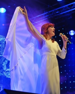 """Florence + The Machine"" Live At Radio 1's Big Weekend (05/23/10)"