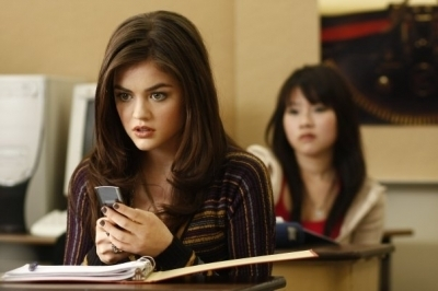 Watak TV Wanita kertas dinding entitled Aria Montgomery - Pretty Little Liars